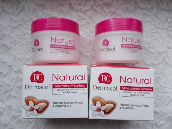 Kem Dưỡng Ẩm Cho Da Khô Dermacol Natural Cream