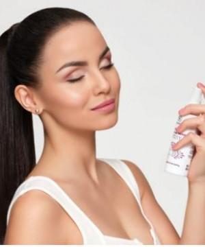 Xịt khoáng trang điểm Dermacol Longwear Make-up Fixing Spray