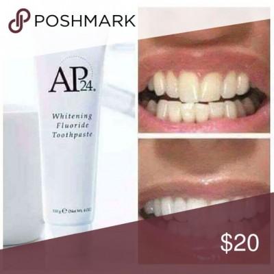 làm trắng răng tự nhiên bằng kem đánh răng AP24